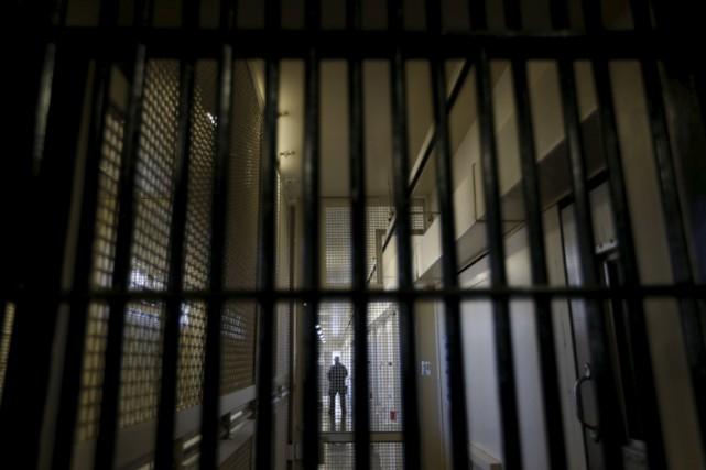 Un homme de 41 ans qui a passé la nuit au poste de police pour dégriser, samedi... (ARCHIVES REUTERS)