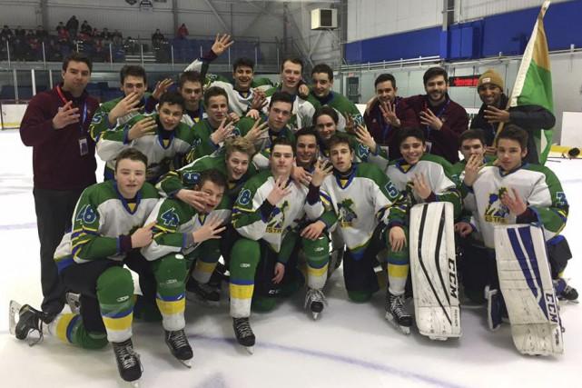 L'équipe de hockey masculin de l'Estrie a remporté... (Fournie)