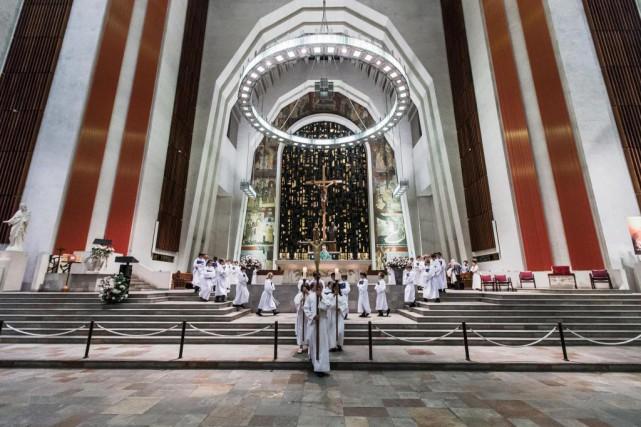 L'oratoire Saint-Joseph demeure très populaire auprès des touristes.... (Photo Olivier PontBriand, Archives La Presse)