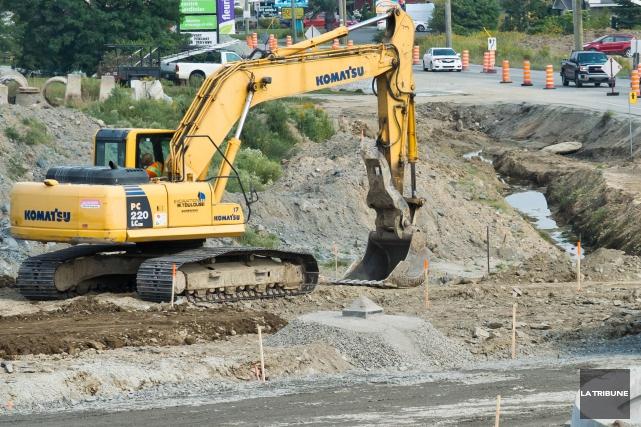Le ministère des Transports investira en Estrie 157 millions $ pour les... (Archives La Tribune, Jessica Garneau)
