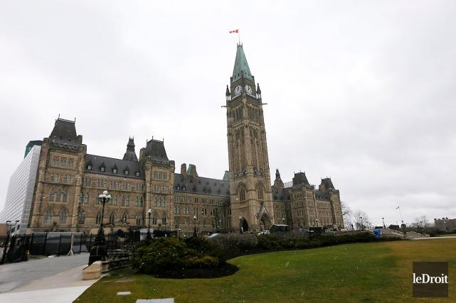Sur la photo, le Parlement d'Ottawa.... (Simon Séguin-Bertrand, archives Le Droit)