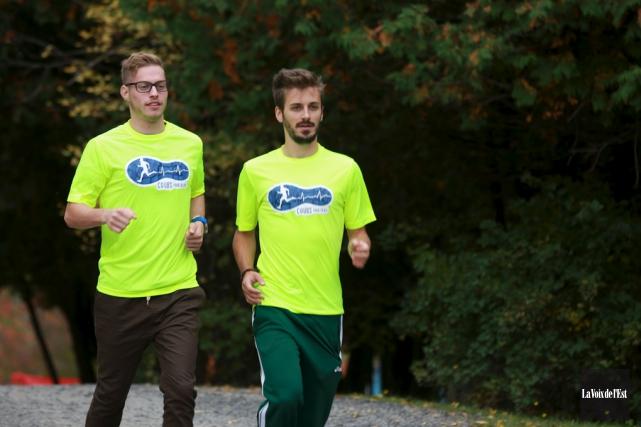 Christopher Gagné et Jean-Christophe Renaud entreprendront leur défi... (archives La Voix de l'Est)