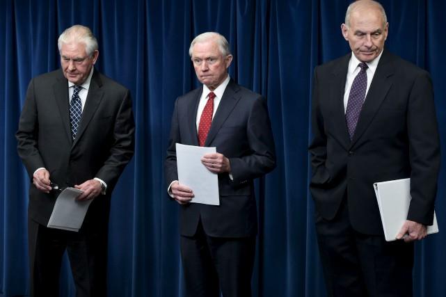 Le secrétaire d'État, Rex Tilleson, le procureur général... (AFP, Mandel Ngan)