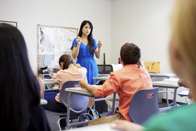 L'intention du ministre de l'Éducation est de couper... (123RF/Cathy Yeulet)