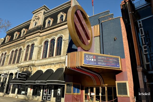L'enseigne ronde de l'ancien Cinéma de Paris est... (Photothèque Le Soleil, Patrice Laroche)