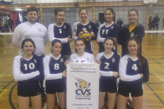 En finale, le Club de volleyball Saguenay U16... (Photo courtoisie)