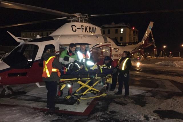 La victime a été déplacée par un hélicoptère... (Photo courtoisie)