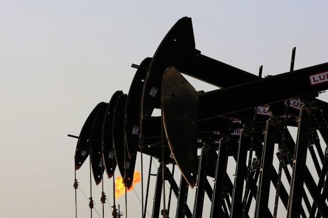 Les cours du pétrole coté à New York ont terminé la séance en légère hausse... (PHOTO HASAN JAMALI, ARCHIVES ASSOCIATED PRESS)