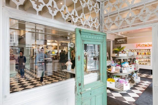 Les portes du nouveau Mandy's étaient à peine ouvertes, rue Saint-Nicolas dans... (PHOTO EDOUARD PLANTE-FRECHETTE, LA PRESSE)