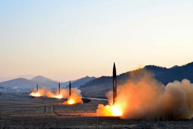 La Corée du Nord a tiré lundi une... (AFP/AGENCE KCNA)