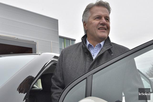 Le ministre des Transports, de la Mobilité durable... (Photothèque Le Soleil, Patrice Laroche)