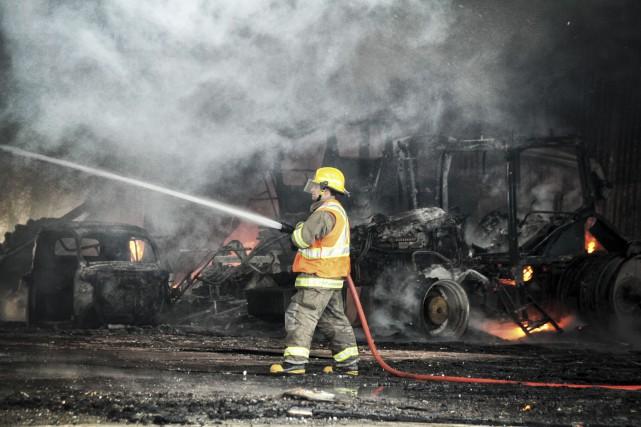 À l'arrivée des pompiers, les flammes étaient trop... (Courtoisie, Stéphane Brunet)