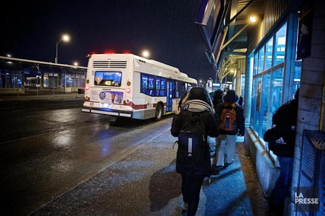 Le terminus d'autobus Panama est un lieu de... (PHOTO ANDRÉ PICHETTE, LA PRESSE)