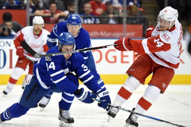 James van Riemsdyk a mis fin à une disette et les Maple Leafs de Toronto ont... (PHOTO REUTERS)