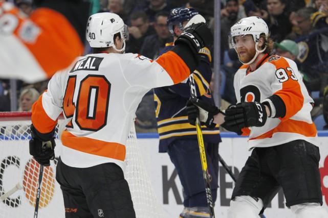 Radko Gudas a marqué un but et ajouté deux mentions d'aide, et les Flyers de... (PHOTO AP)