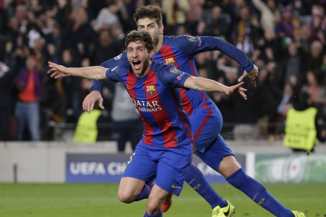 Sergi Roberto célèbre après avoir marqué le but... (Emilio Morenatti, AP)