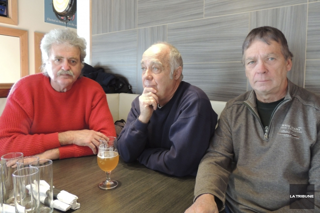 Gilbert Carette, Gilles Fluet et Robert Bellefleur, membres... (La Tribune, Ronald Martel)