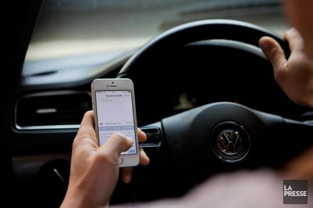 Selon la SAAQ, le cellulaire est l'une des... (PHOTO OLIVIER JEAN, ARCHIVES LA PRESSE)