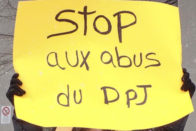 Des parents qui se disent victimes «d'injustices et d'abus de pouvoir de la... (Spectre Média, René Marquis)