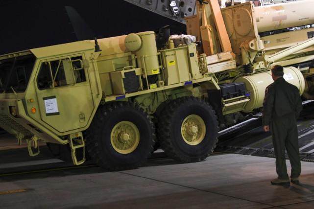 Le bouclier antimissile américain THAAD, déployé mardi en... (AFP)
