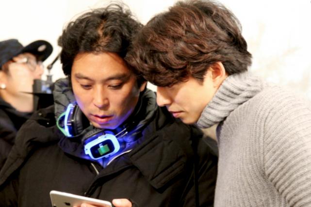 Le réalisateur Lee Eung Bok, en compagnie de... (Photo Management SOOP)