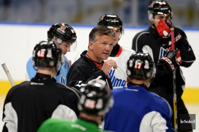 L'entraîneur-chef des Remparts Philippe Boucher aimerait que son... (Photothèque Le Soleil, Erick Labbé)