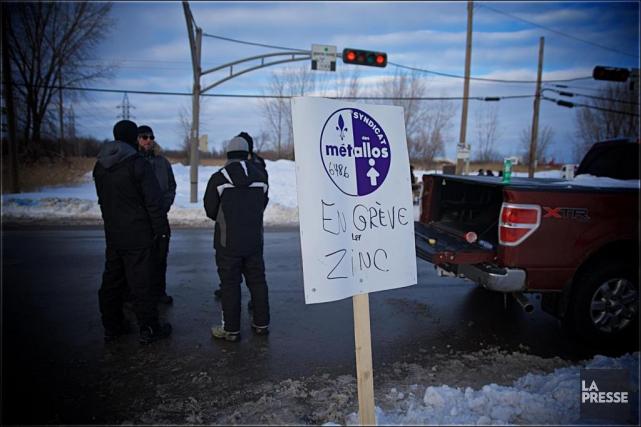 Les employés de CEZinc avaient entamé une grève... (Photo André Pichette, Archives La Presse)