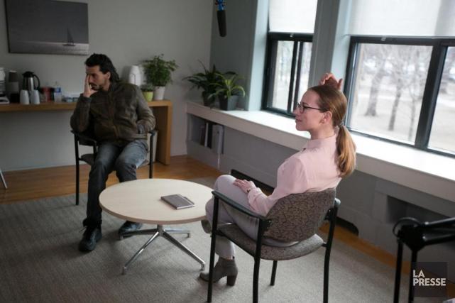 Les acteursTewfik Jallab et Karine Vanasse sur le... (PHOTO FRANçOIS ROY. LA PRESSE)