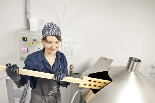 Catherine Dionne-Foster, copropriétaire de la microbrasserie La Korrigane.... (PHOTO FOURNIE PAR LA MICROBRASSERIE LA KORRIGANE)