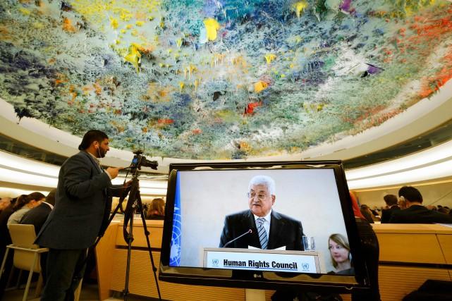Le président palestinien Mahmoud Abbasa souligné son «engagement... (PHOTO Fabrice COFFRINI, ARCHIVES AFP)