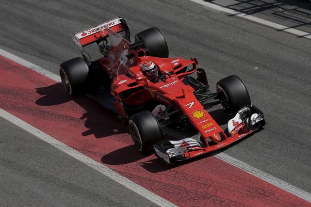 Comme l'an dernier, c'est le Finlandais Kimi Raikkonen,... (AP, Manu Fernandez)