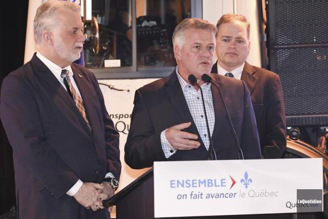 Le premier ministre du Québec, Philippe Couillard, et... (Photo Le Quotidien, Michel Tremblay)