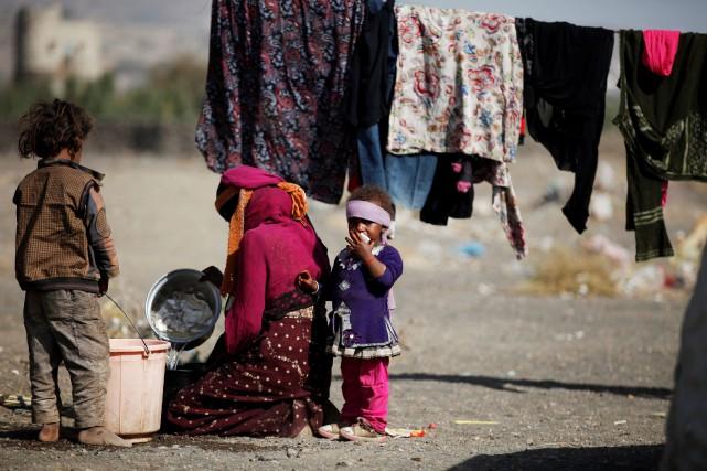 Sur la photo, un camp de déplacés à... (Photo Khaled Abdullah, archives REUTERS)