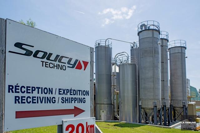 Soucy Techno est une des quatre entreprises de... (Archives La Tribune, Frédéric Côté)