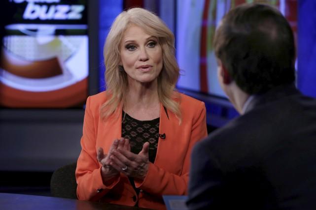 Kellyanne Conway en entrevue sur la chaîne Fox,... (AP, Richard Drew)