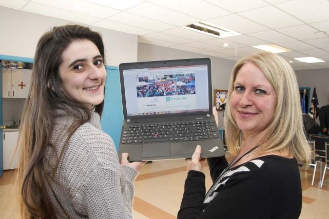 Ariane Marchand, étudiante au Collège Laflèche, et Nancy... (Sylvain Mayer, Le Nouvelliste)