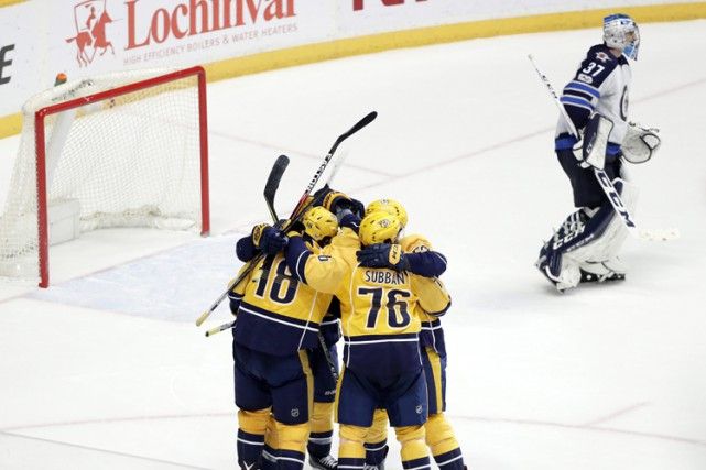 James Neal a fait vibrer les cordages à 2:11 de la période de prolongation et... (PHOTO AP)