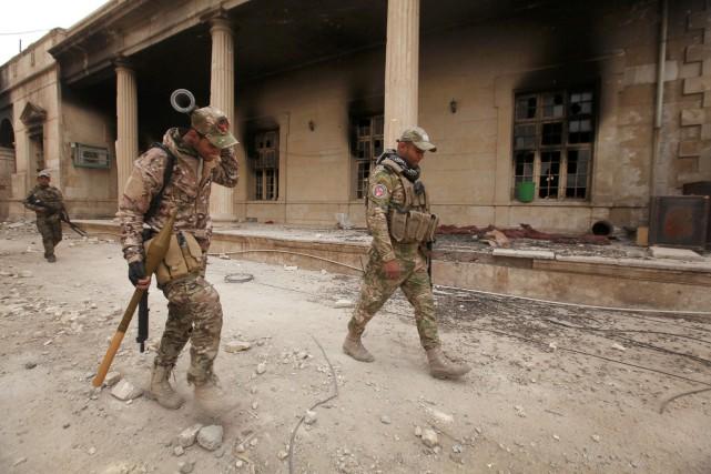 Des soldats de l'armée irakiennes.... (Photo Azad Lashkari, REUTERS)