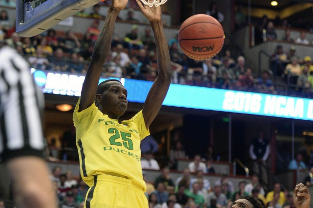Le Montréalais Chris Boucher, des Ducks de l'Université... (Photo Robert Hanashiro, USA Today Sports)