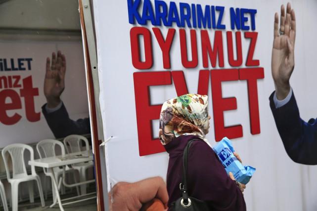 L'Allemagne s'est attirée les foudres du président turc... (PHOTO AP)