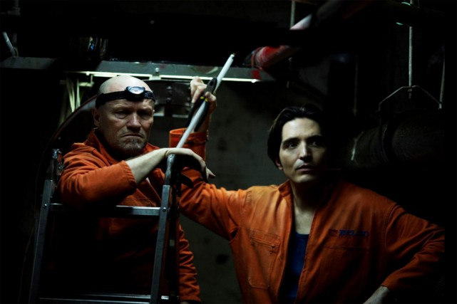 Michael Rooker et David Dastmalchian dans The Belko... (CAPTURE D'ÉCRAN)