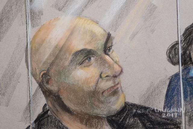 Bertrand Charest fait face à 57 chefs d'accusation,... (Dessin de cour réalisé par Mike McLaughlin)