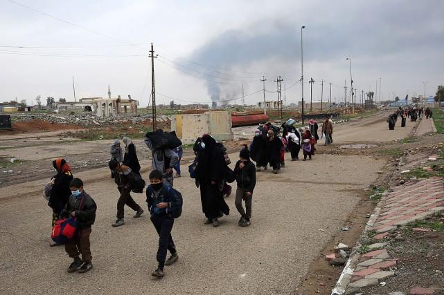 Au total, 97374personnes, soit 16229familles, ont été poussées... (AHMAD AL-RUBAYE, AFP)