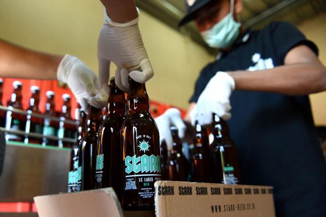 Elle s'appelle Stark, elle est née en 2015 et c'est une rareté: une bière... (PHOTO AFP)