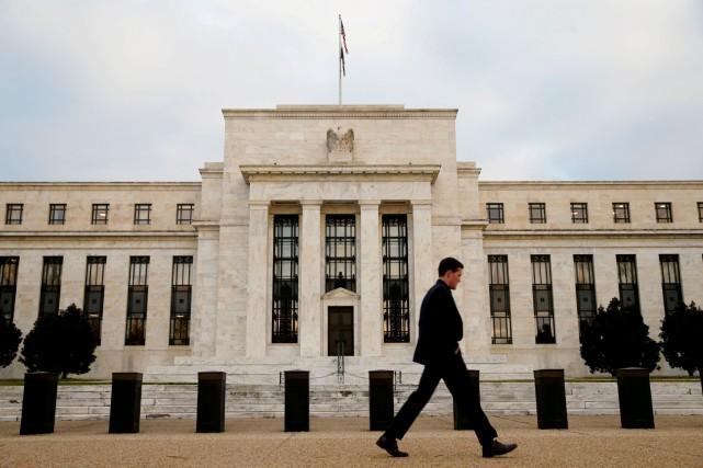 Le taux interbancaire au jour le jour se... (PHOTO Kevin Lamarque, ARCHIVES REUTERS)