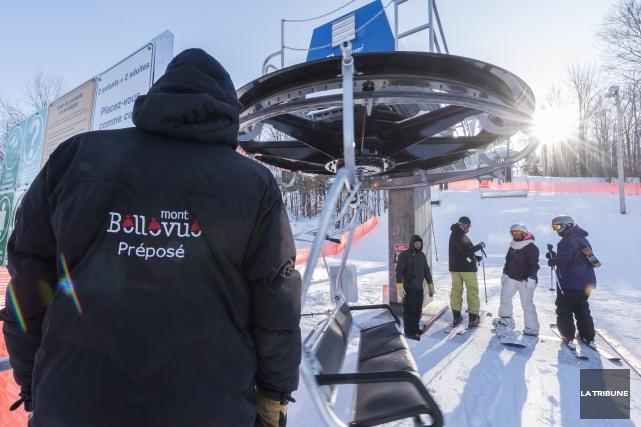Le mont Bellevue sera de nouveau ouvert aux skieurs pour la fin de semaine. Si... (Archives La Tribune, Frédéric Côté)