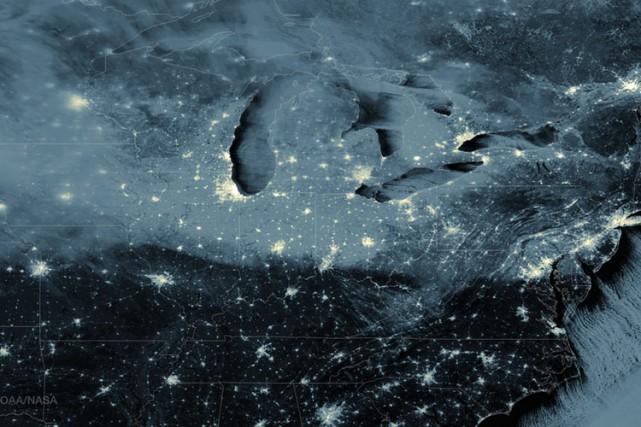 Bon nombre de gens d'affaires et d'élus, au... (PHOTO FOURNIE PAR LA NASA)