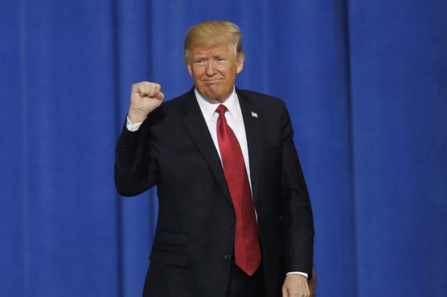 La page Twitter de Donald Trump compte un... (PHOTO AP)