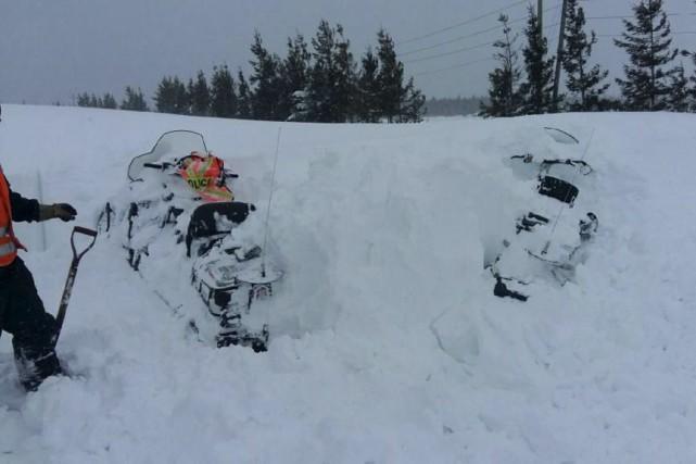 En raison des conditions extrêmes, même les motoneigistes... (fournie par la Sûreté du Québec)