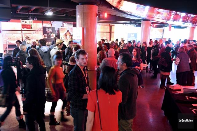 La soirée 100% Saguenay a attiré des centaines... (Le Quotidien, Rocket Lavoie)